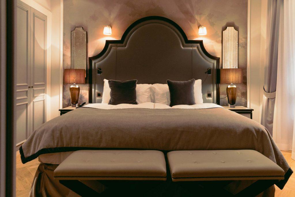 Hotel Victoria Jungfrau Deluxe Junior Suite Bedroom
